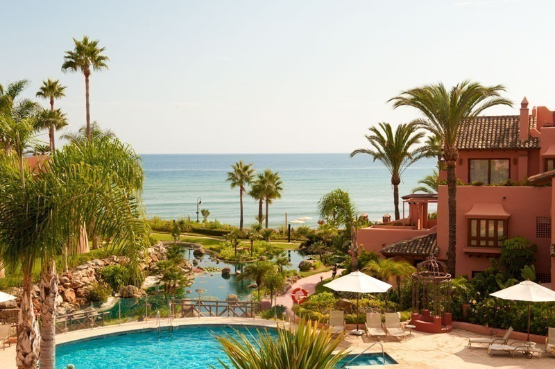 For holiday rent: Luxury frontline beach apartment, first line beach complex, New Golden Mile, Marbella - Estepona, Costa del Sol