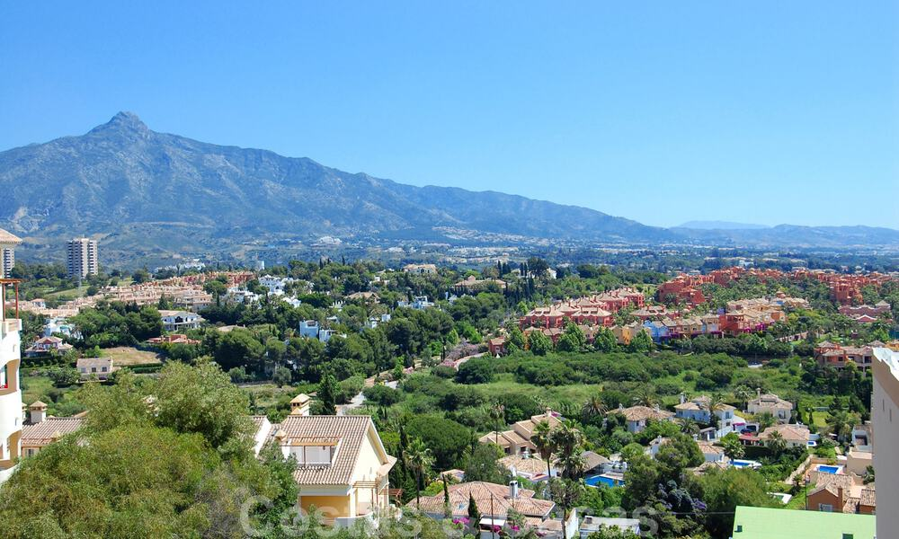 Luxury apartments for sale in Nueva Andalucia - Marbella at walking distance to amenties and Puerto Banus 30605