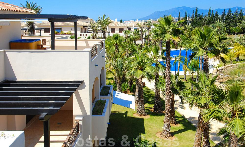Luxury apartments for sale in Nueva Andalucia - Marbella at walking distance to amenties and Puerto Banus 30612