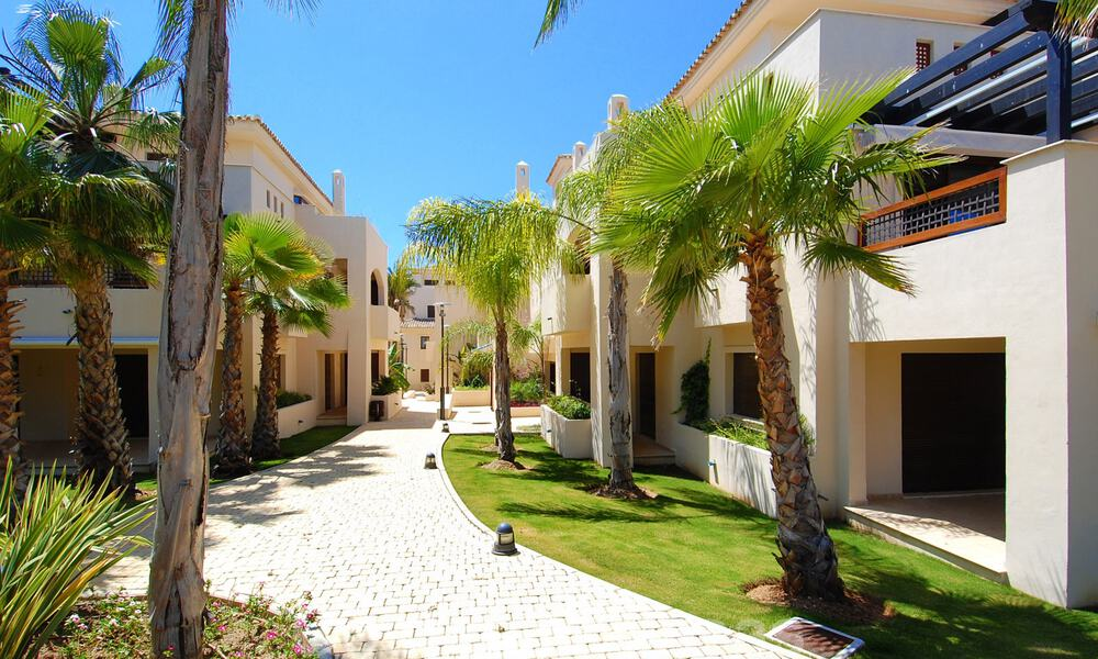Luxury apartments for sale in Nueva Andalucia - Marbella at walking distance to amenties and Puerto Banus 30617
