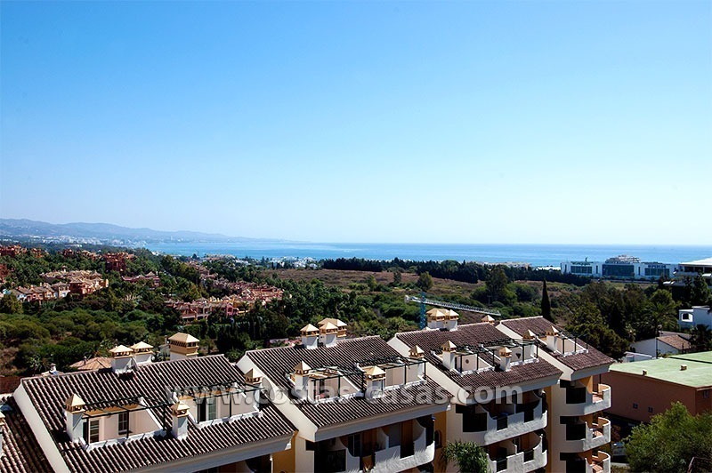 Apartment for Sale in Nueva Andalucía - Marbella