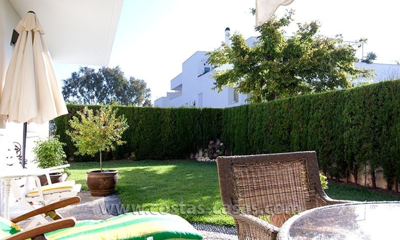 For Sale: Spacious ground floor apartment with private gardens in Nueva Andalucía, Marbella 2