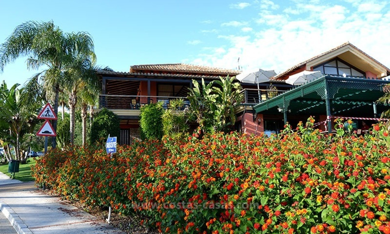 For Sale in the Marbella – Benahavís Area: Golf Apartment 30