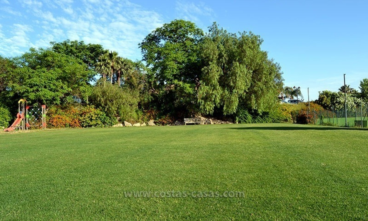 For Sale in the Marbella – Benahavís Area: Golf Apartment 33