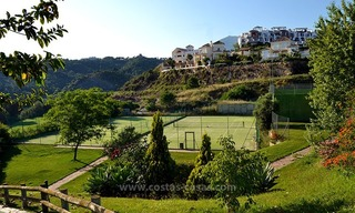 For Sale in Marbella – Benahavís: Double apartment on the golf course 32