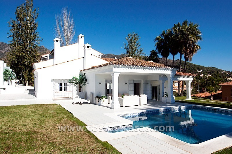 For Sale: Well-Appointed, Spacious and Fully-Renovated Villa in Marbella city 0