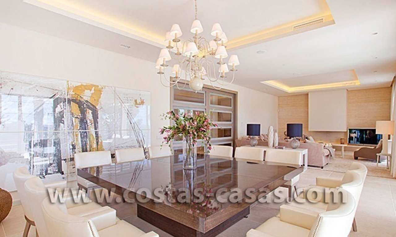 For Sale: Exceptionally Well-Located Luxury Villa in Nueva Andalucía, Marbella 3