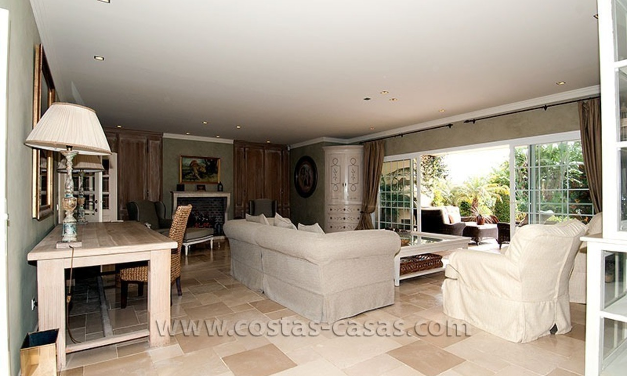 For Sale: First Line Golf Villa in Nueva Andalucía, Marbella 13