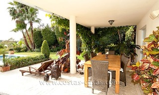 For Sale: First Line Golf Villa in Nueva Andalucía, Marbella 4