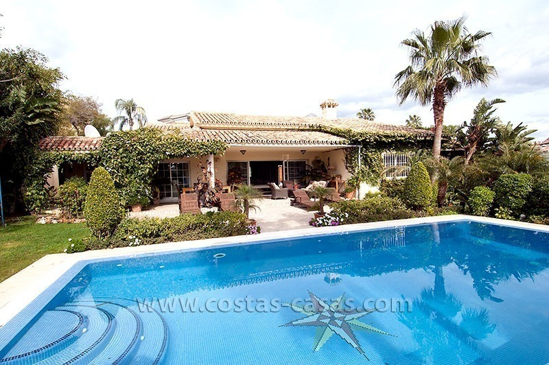 For Sale: First Line Golf Villa in Nueva Andalucía, Marbella
