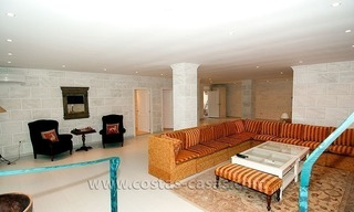 For Sale: First Line Golf Villa in Nueva Andalucía, Marbella 27