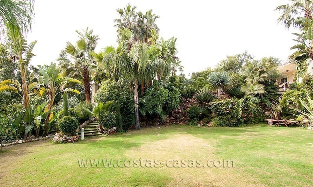 For Sale: First Line Golf Villa in Nueva Andalucía, Marbella 8