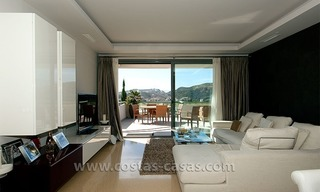 For Holiday Rent in the Marbella – Benahavís Area: Contemporary, Luxury Golf Apartment 7