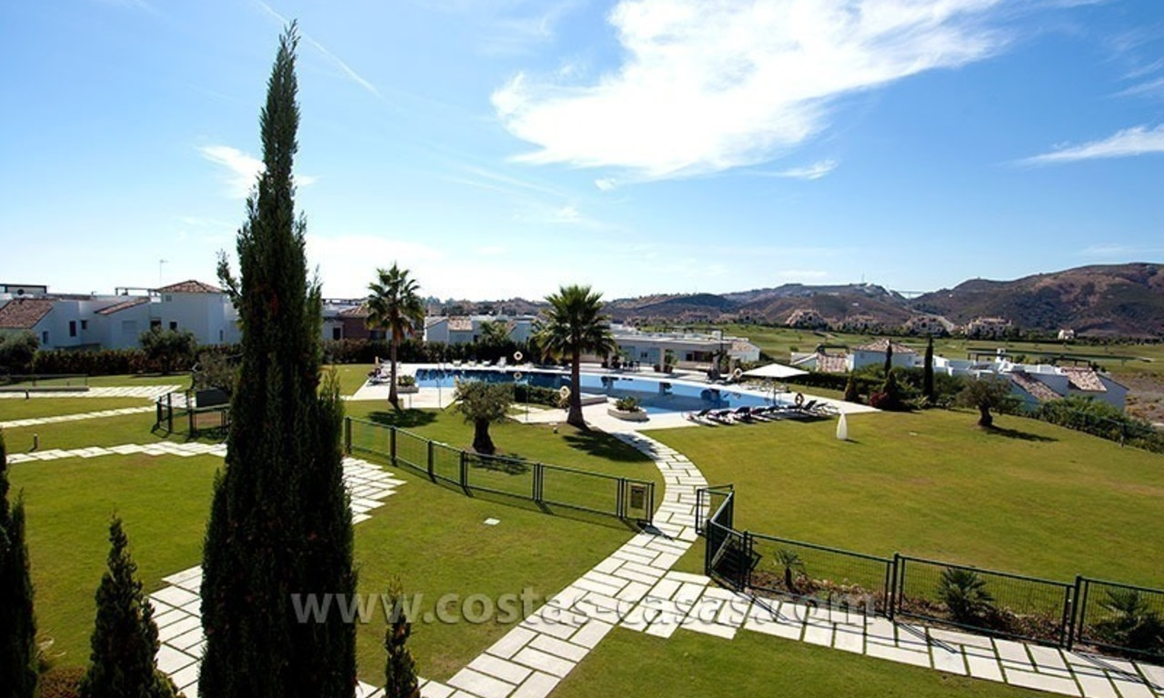For Holiday Rent in the Marbella – Benahavís Area: Contemporary, Luxury Golf Apartment 6