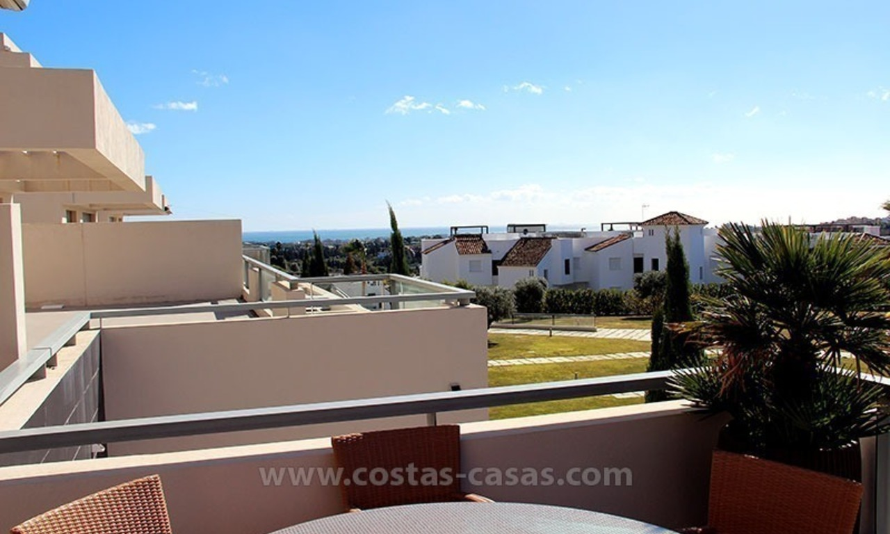For Holiday Rent in the Marbella – Benahavís Area: Contemporary, Luxury Golf Apartment 3