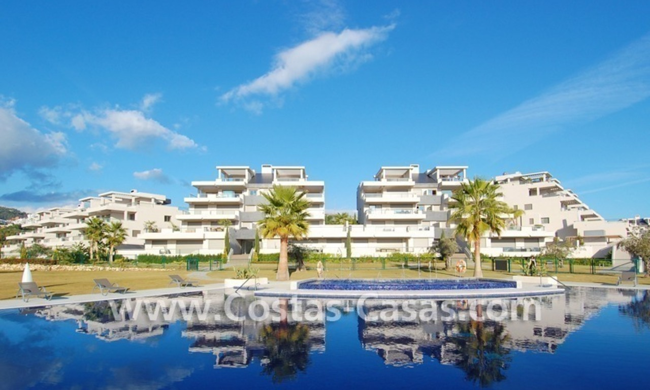 For Holiday Rent in the Marbella – Benahavís Area: Contemporary, Luxury Golf Apartment 17