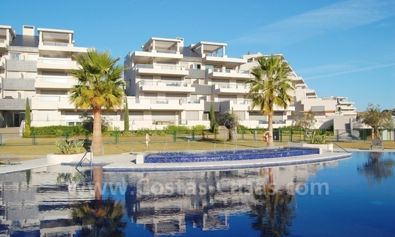 For Holiday Rent in the Marbella – Benahavís Area: Contemporary, Luxury Golf Apartment 18