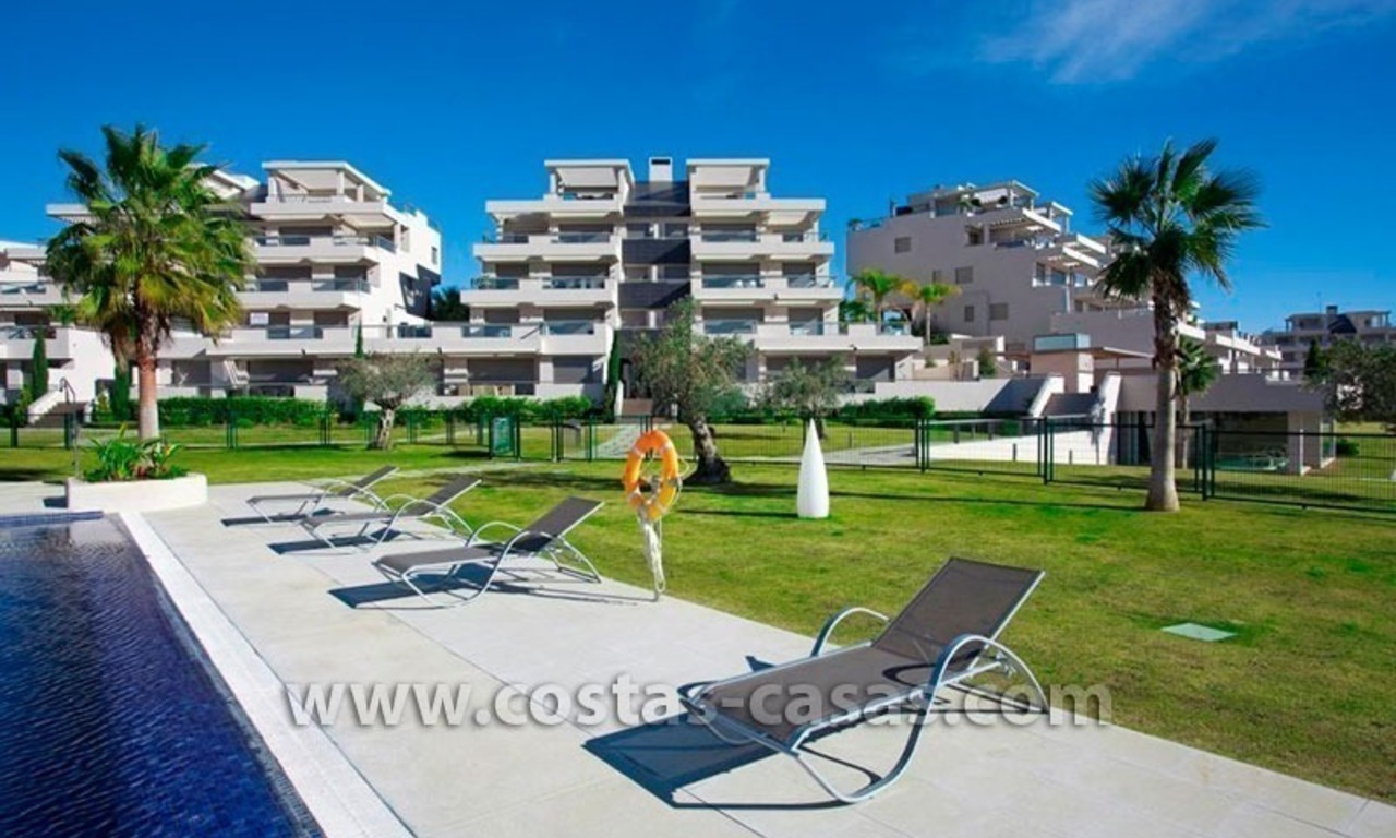 For Holiday Rent in the Marbella – Benahavís Area: Contemporary, Luxury Golf Apartment 23