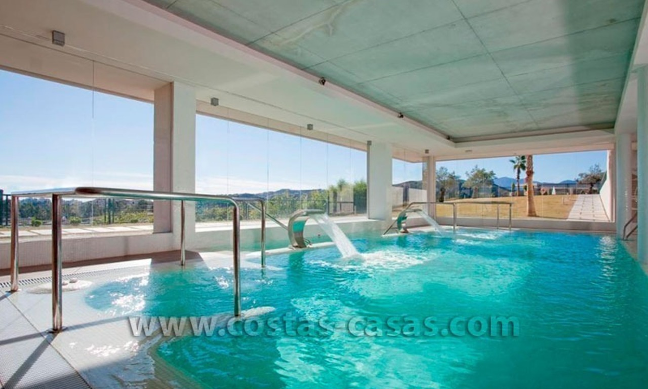 For Holiday Rent in the Marbella – Benahavís Area: Contemporary, Luxury Golf Apartment 25