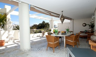 For Sale: Exclusive Apartment at Playas del Duque – Beachfront Estate in Puerto Banús, Marbella 4