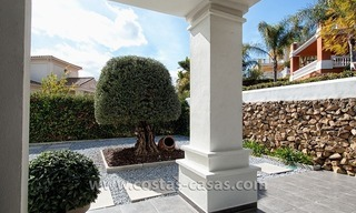 Spacious, Fully Renovated, Modern Villa For Sale in Nueva Andalucía, Marbella 4