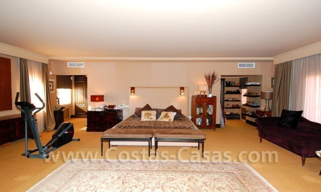 Rustic villa for rent on the Golden Mile in Marbella 24