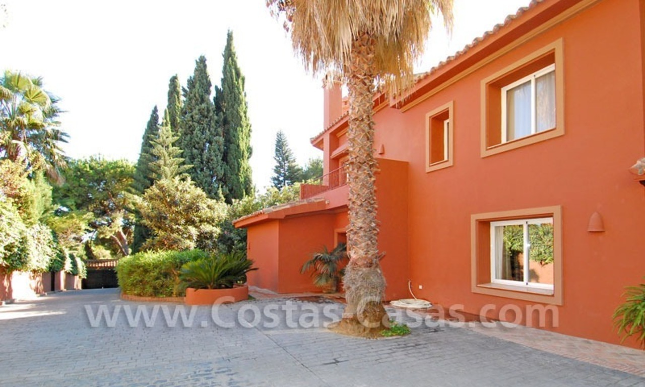 Rustic villa for rent on the Golden Mile in Marbella 10