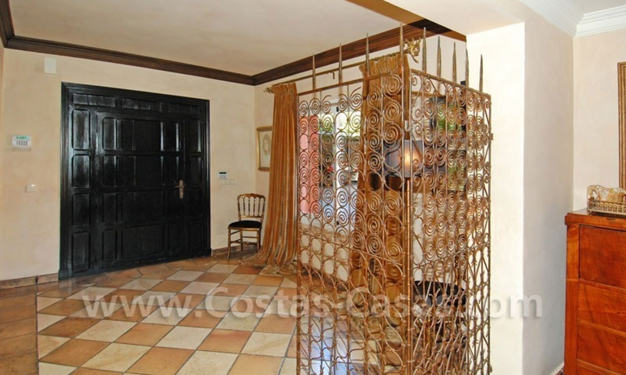 Rustic villa for rent on the Golden Mile in Marbella 12