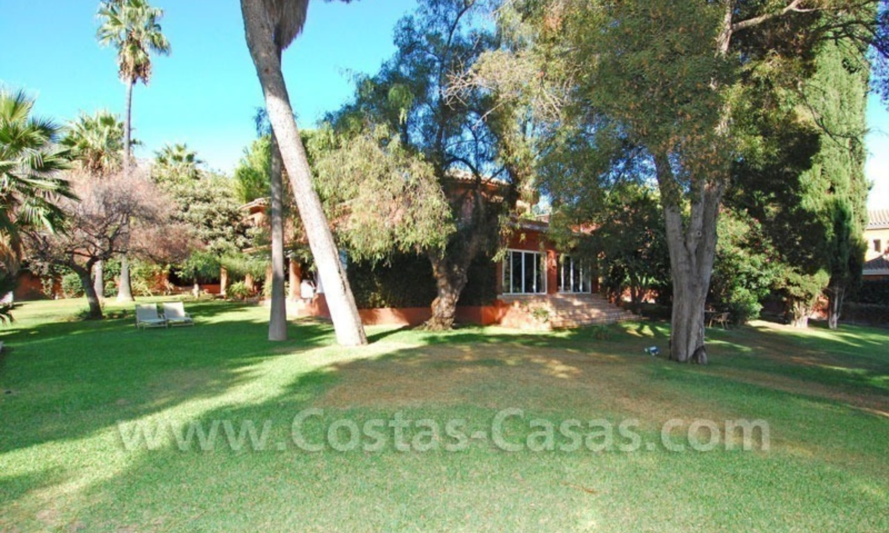Rustic villa for rent on the Golden Mile in Marbella 3