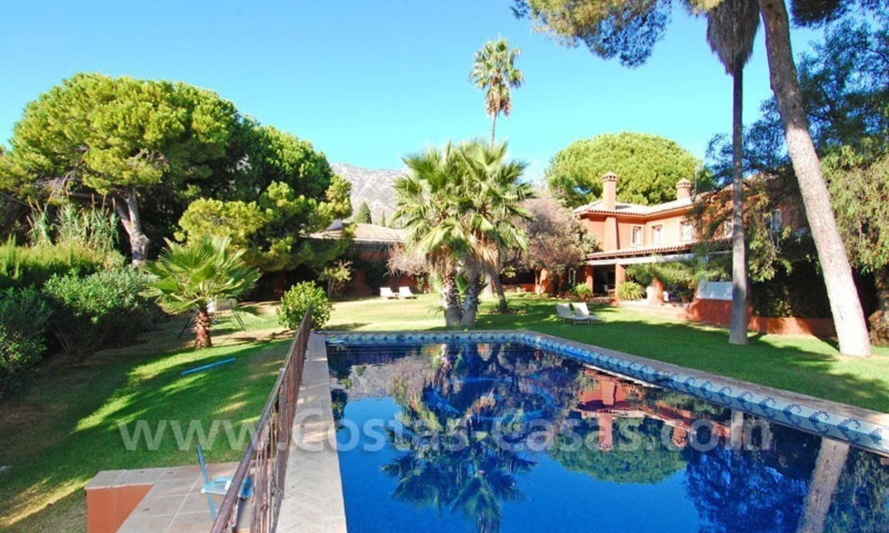 Rustic villa for rent on the Golden Mile in Marbella 0