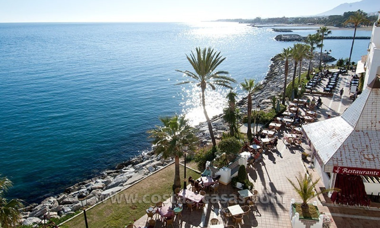 For sale: Seafront Corner Apartment in Puerto Banús, Marbella 2