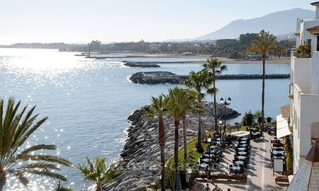 For sale: Seafront Corner Apartment in Puerto Banús, Marbella 3