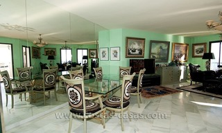 For sale: Seafront Corner Apartment in Puerto Banús, Marbella 10