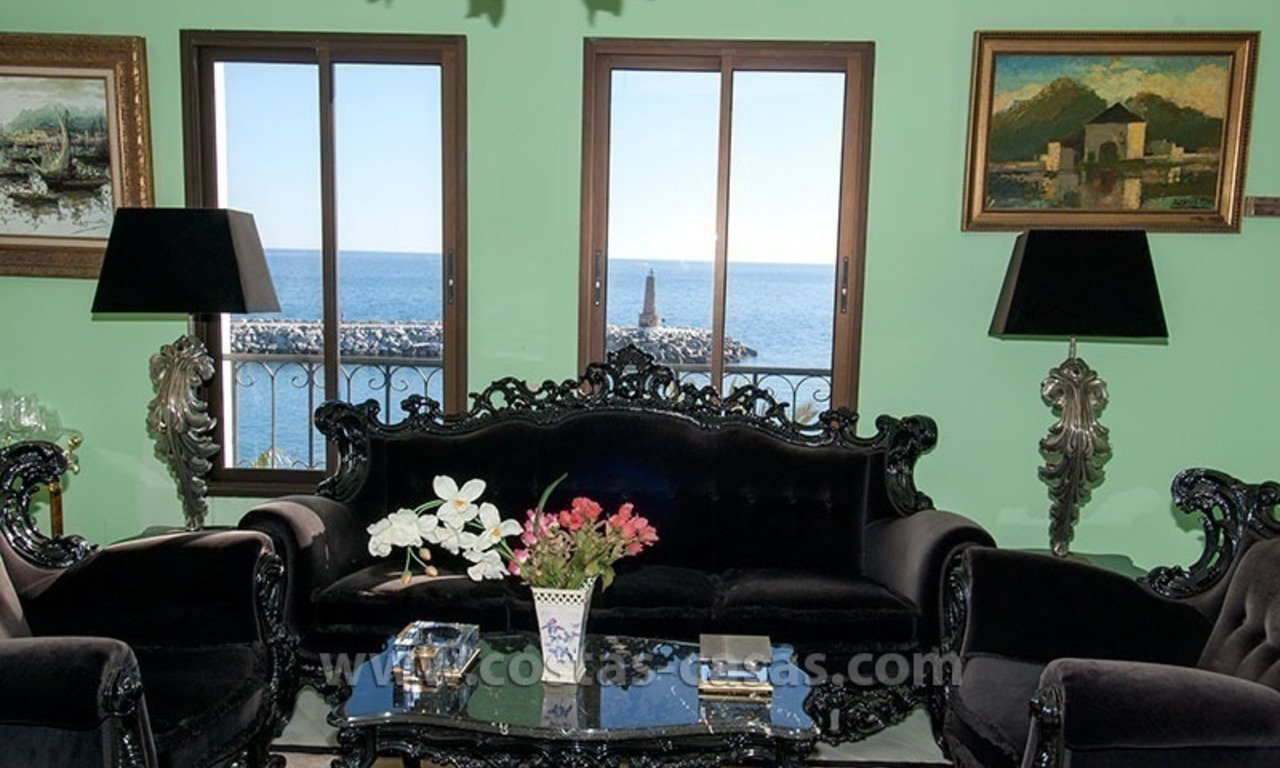 For sale: Seafront Corner Apartment in Puerto Banús, Marbella 12