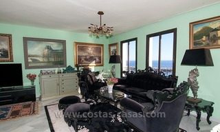 For sale: Seafront Corner Apartment in Puerto Banús, Marbella 13