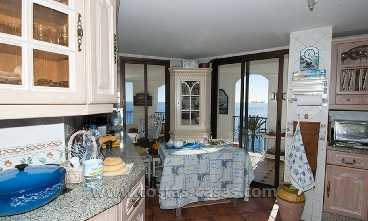 For sale: Seafront Corner Apartment in Puerto Banús, Marbella 15