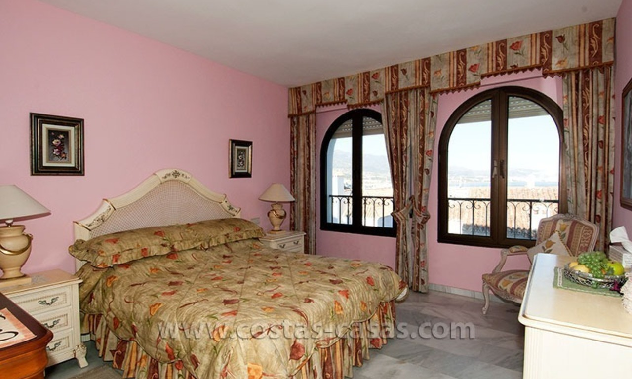 For sale: Seafront Corner Apartment in Puerto Banús, Marbella 17