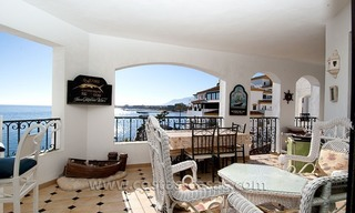 For sale: Seafront Corner Apartment in Puerto Banús, Marbella 5