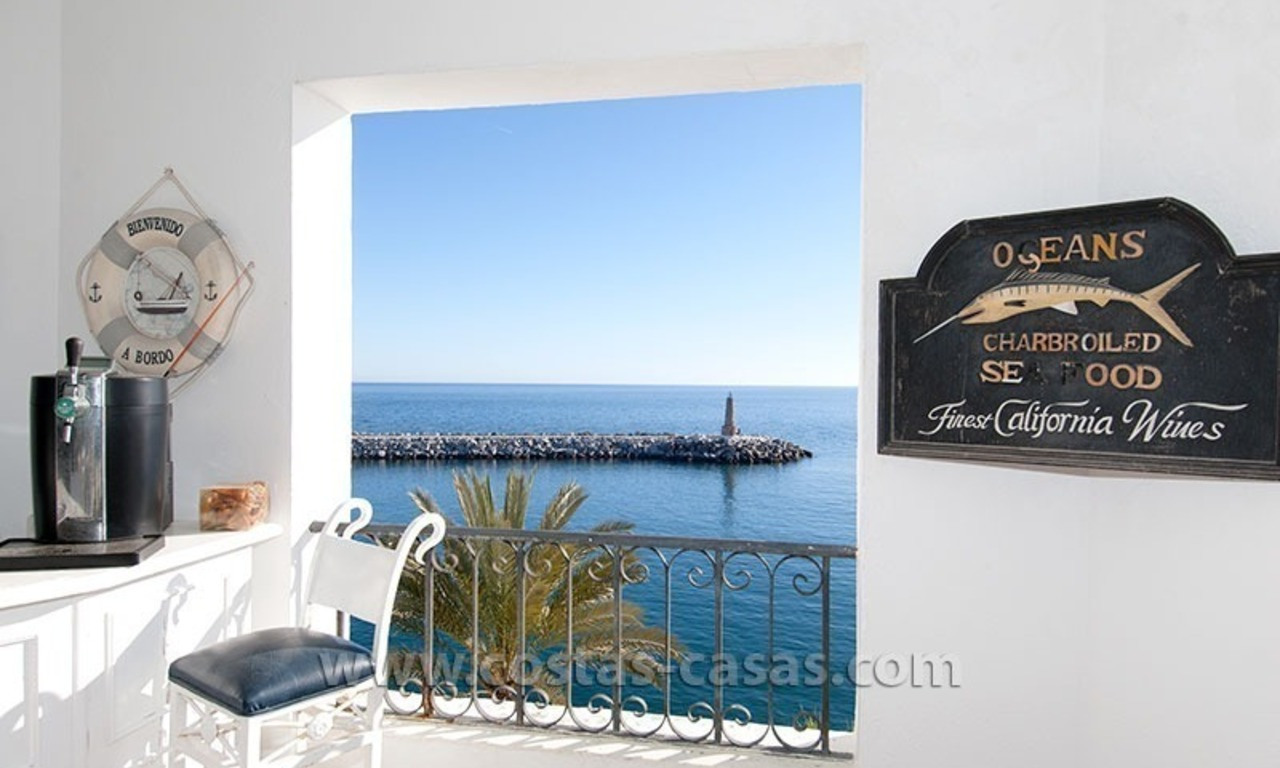 For sale: Seafront Corner Apartment in Puerto Banús, Marbella 6