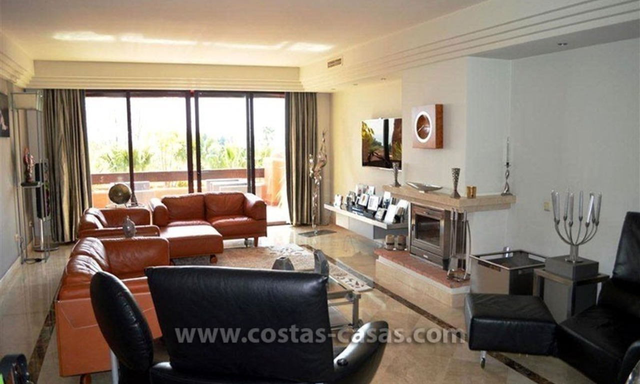 For Sale: Luxury Penthouse near Puerto Banús – Marbella 11