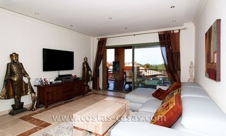Opportunity! Luxury apartment for sale, with sea view, frontline golf complex in Marbella - Benahavis 6