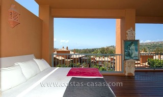 Opportunity! Luxury apartment for sale, with sea view, frontline golf complex in Marbella - Benahavis 3
