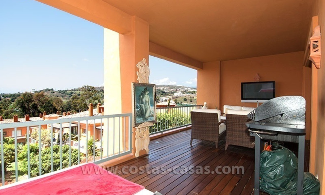 Opportunity! Luxury apartment for sale, with sea view, frontline golf complex in Marbella - Benahavis 4