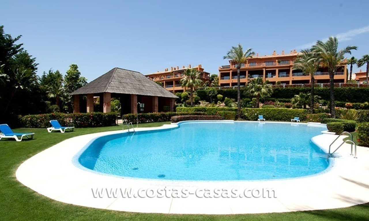 Opportunity! Luxury apartment for sale, with sea view, frontline golf complex in Marbella - Benahavis 13