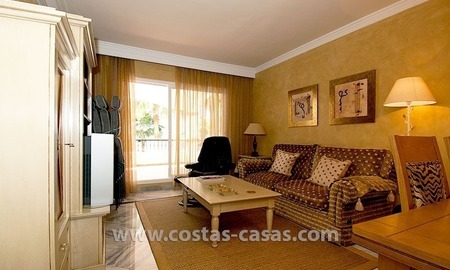 For sale: Apartment near Puerto Banús, Marbella 3