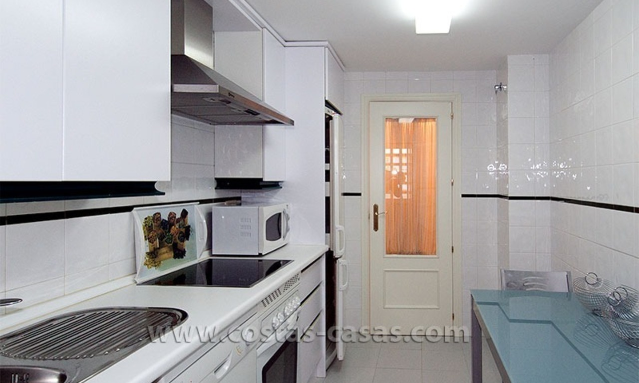 For sale: Apartment near Puerto Banús, Marbella 4