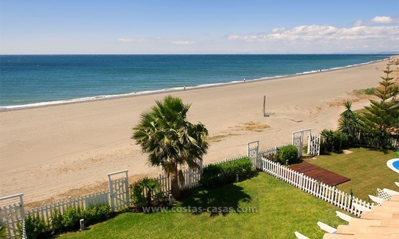Frontline beach house for holiday rent, first line beach, Marbella - Estepona, Costa del Sol, Spain 0