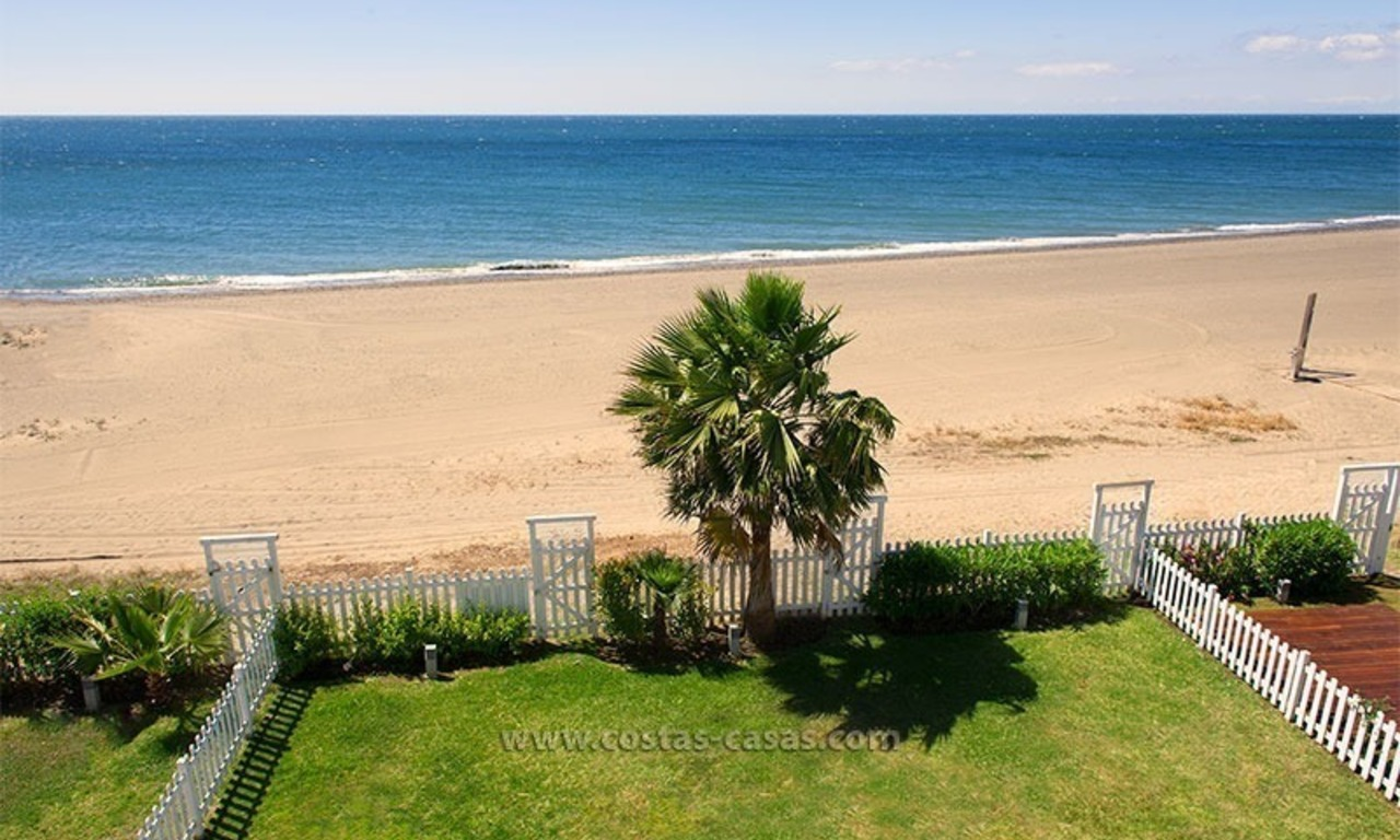 Frontline beach house for holiday rent, first line beach, Marbella - Estepona, Costa del Sol, Spain 1