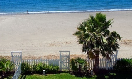 Frontline beach house for holiday rent, first line beach, Marbella - Estepona, Costa del Sol, Spain 2