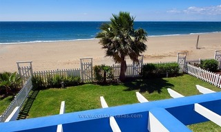 Frontline beach house for holiday rent, first line beach, Marbella - Estepona, Costa del Sol, Spain 4